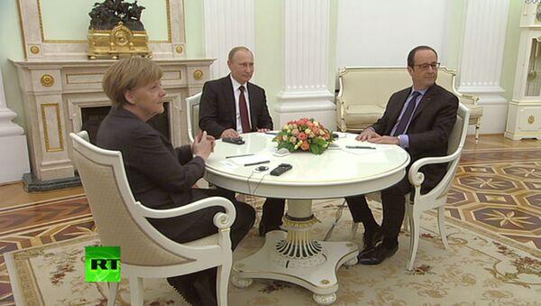 Rusya Devlet Başkanı Vladimir Putin, Almanya Başbakanı Angela Merkel, Fransa Cumhurbaşkanı François Hollande - Sputnik Türkiye