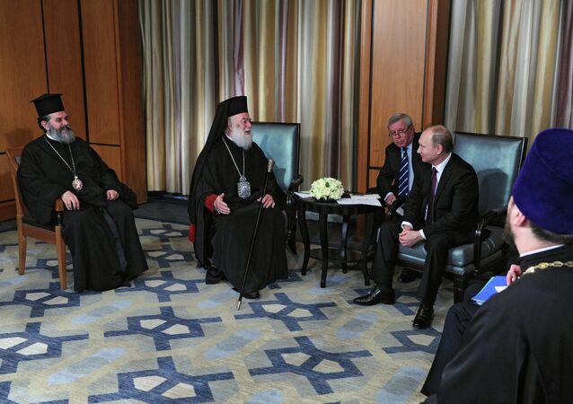 Rusya Devlet Başkanı Vladimir Putin, İskenderiye ve Tüm Afrika Ortodoks Kilisesi Patriği 2. Fyodor