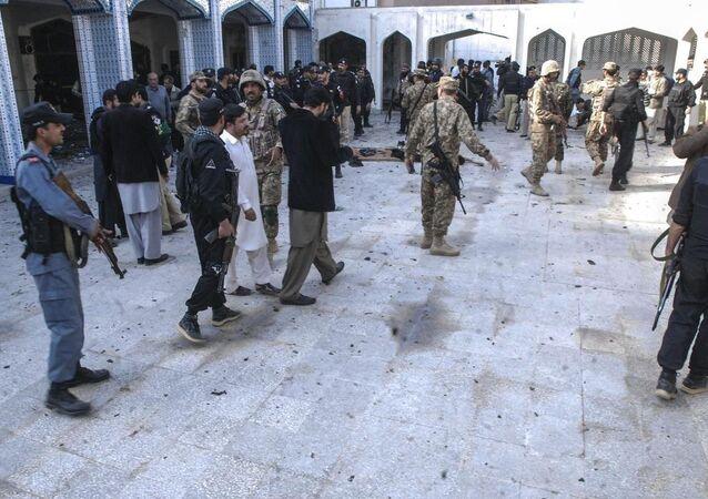 Pakistan Peşaver cami saldırı Şii