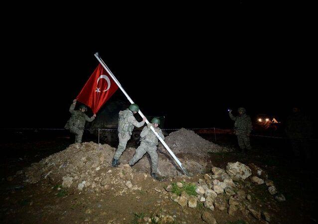 İkinci operasyon da Süleyman Şah'ın naaşının nakledileceği Suriye Eşmesi'ndeki bölgeye yönelik oldu.