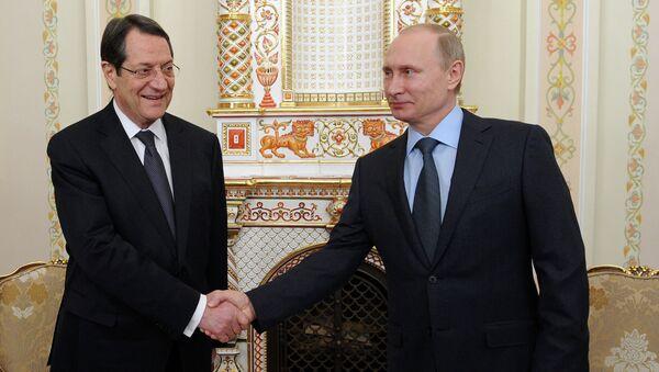 Rusya Devlet Başkanı Vladimir Putin ve Güney Kıbrıs Rum Yönetimi lideri Nikos Anastasiadis - Sputnik Türkiye