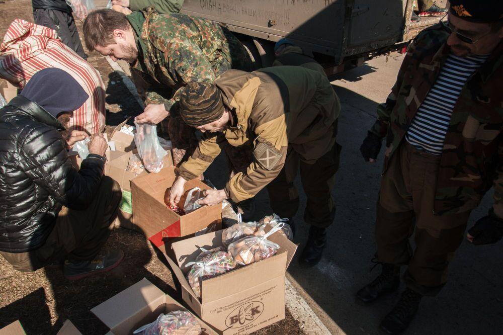 Debaltsevo'da insani yardım dağıtımı