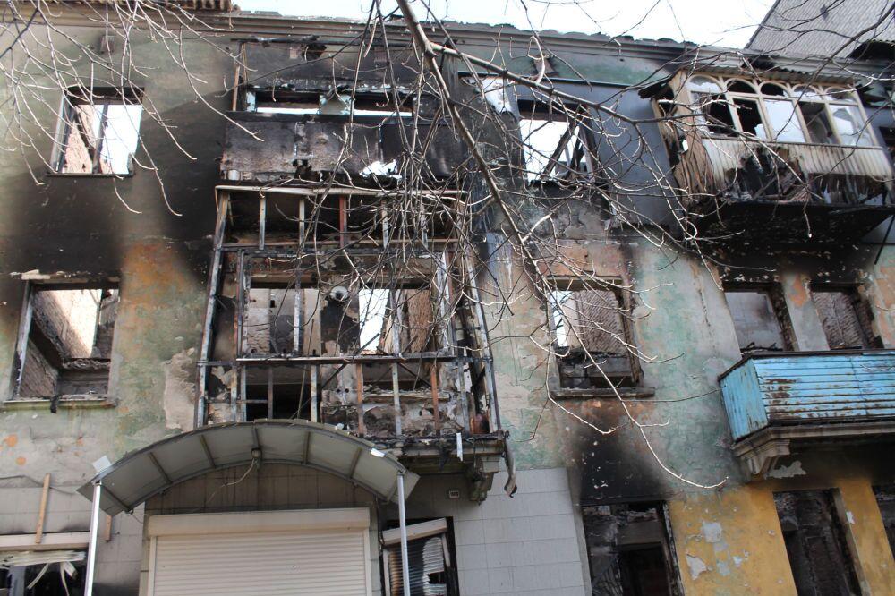Debaltsevo'da yıkılmış ev