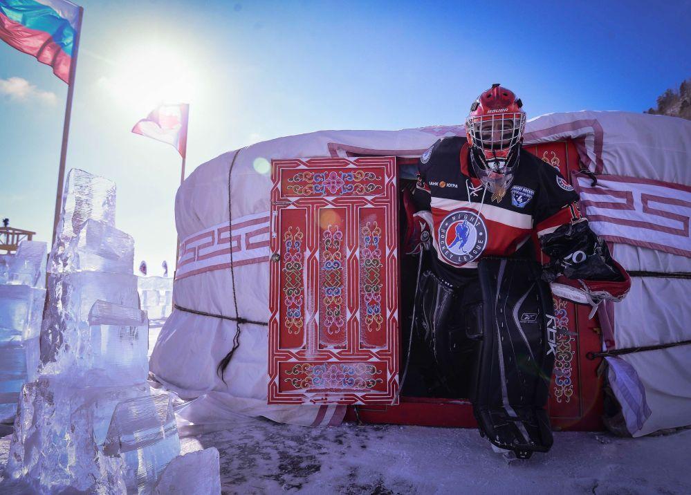 'Ulusal Hokey Ligi (NHL) Alanı Baykal' Hokey Festivali'nde Trois-Rivières Takım kalecisi Stephan Perighni