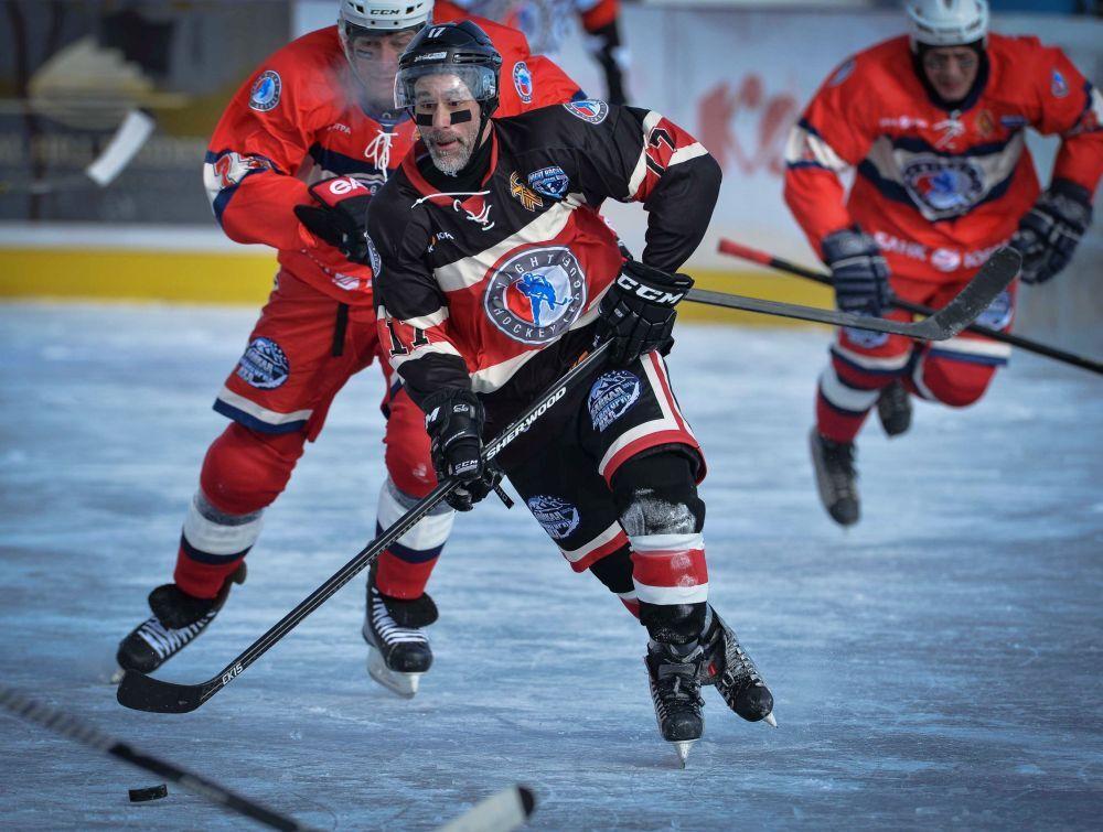 'Ulusal Hokey Ligi (NHL) Alanı Baykal' HokeyFestivali'nde Trois-Rivières Takımı oyuncusu Jean-Luc Bellemare