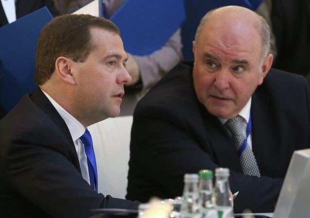Rusya Başbakanı  Dmirtriy Medvedev - Dışişleri Bakan Yardımcısı Grigoriy Karasin