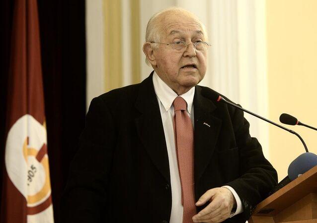 Galatasaray Kulübü Başkanı Duygun Yarsuvat
