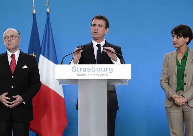 İçişleri Bakanı Bernaud Cazeneuve- Başbakan Manuel Valls- Eğitim Bakanı Najat Vallaud- Belkacem