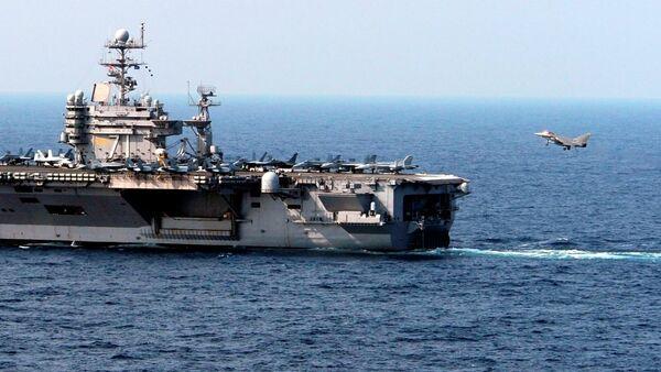 USS Theodore Roosevelt uçak gemisi - Sputnik Türkiye