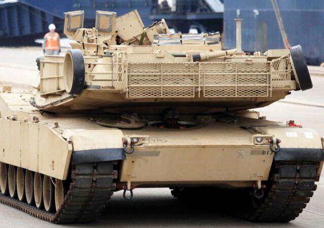 ABD askeri zırhlıları Letonya'da