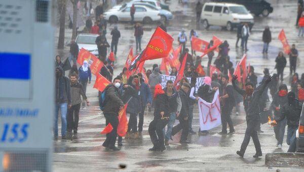 Berkin Elvan eylemlerinde gerginlik - Sputnik Türkiye