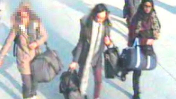 IŞİD'e katılmak isteyen 3 genç kız - Sputnik Türkiye