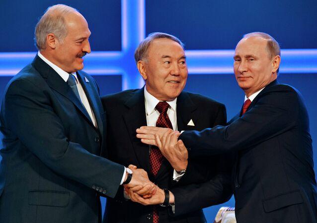 Rusya Devlet Başkanı Vladimir Putin, Kazakistan Devlet Başkanı Nursultan Nazarbayev ve Belarus Devlet Başkanı Aleksandr Lukaşenko