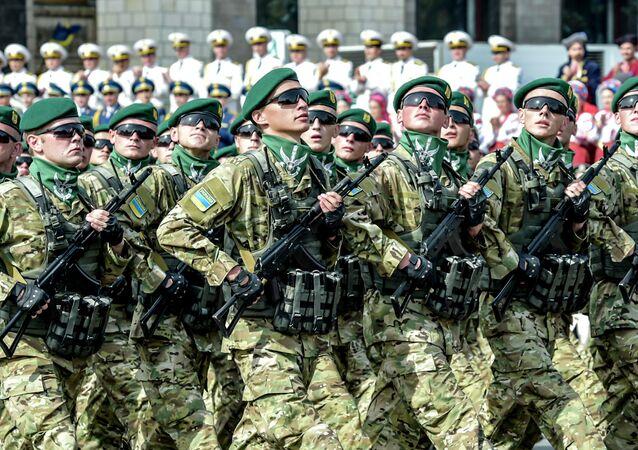 Kiev'in ana caddesi Kreşatik'teki Bağımsızlık Günü kutlamaları