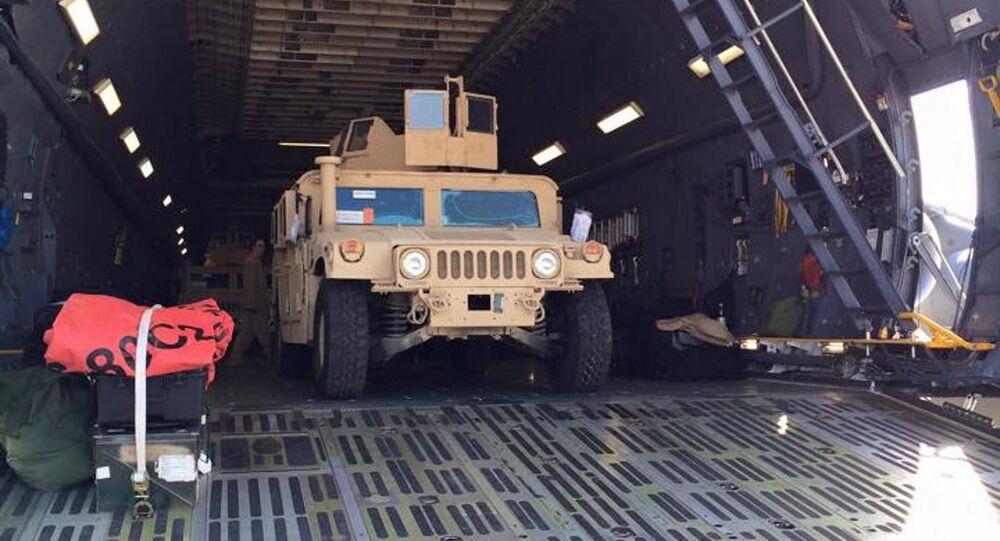 ABD'nin Ukrayna'ya gönderdiği ilk parti Humvee askeri araçları