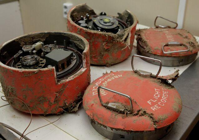 Kaczynski uçağından kara kutular