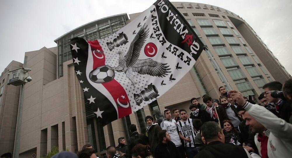 Beşiktaş-Çarşı taraftar grubu