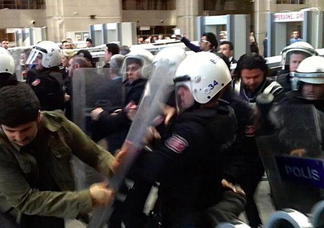 İstanbul Adliyesi'nde avukatlara müdahale