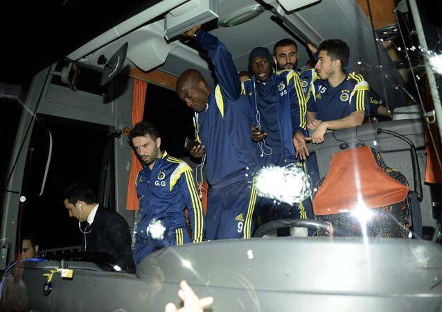 Fenerbahçe'ye saldırı