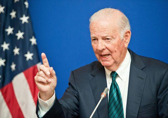 Eski ABD Dışişleri Bakanı James Baker
