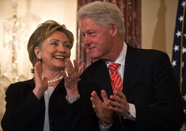 ABD eski Dışişleri Bakanı Hillary Clinton- eşi eski ABD Başkanı Bill Clinton