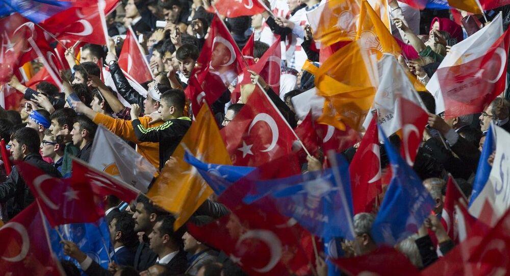 AK Parti Seçim Beyannamesi ve Aday Tanıtım Toplantısı, Ankara Arena Spor Salonu'nda yapıldı. Toplantıya çok sayıda partili katıldı.