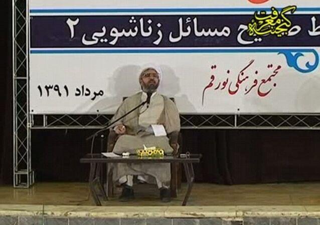 İranlı din adamı Ayetullah Huseyin Dehnavi