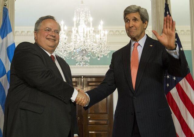 ABD Dışişleri Bakanı John Kerry ve Yunanistan Dışişleri Bakanı Nikos Kotzias