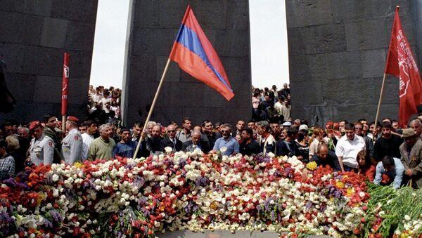 Anmaların merkezli Ermenistan'ın başkenti Erivan'daki Soykırım Anıtı oldu. - Sputnik Türkiye