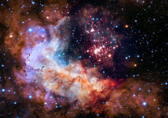 NASA, Hubble'ın 25'inci yılı anısına Westerlund 2 adı verilen yıldız kümesinin görüntülerini yayımladı.