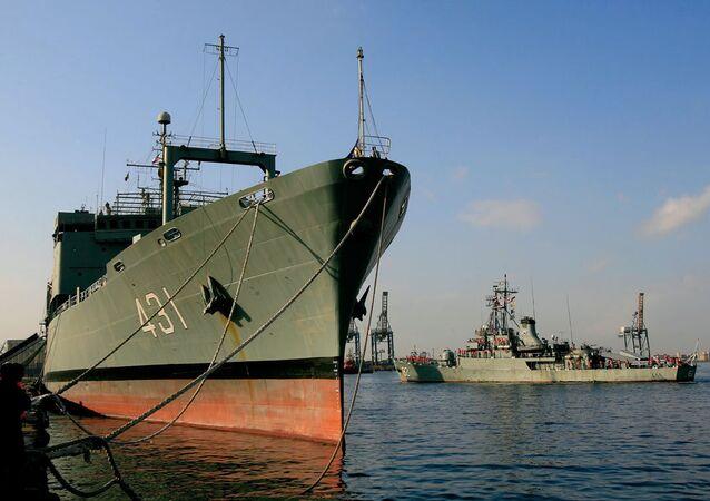 İran savaş gemisi