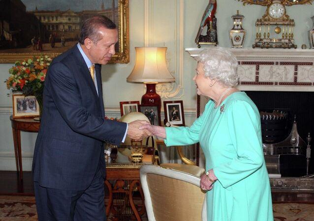 Türkiye Cumhurbaşkanı Recep Tayyip Erdoğan- İngiltere Kraliçesi 2. Elizabeth
