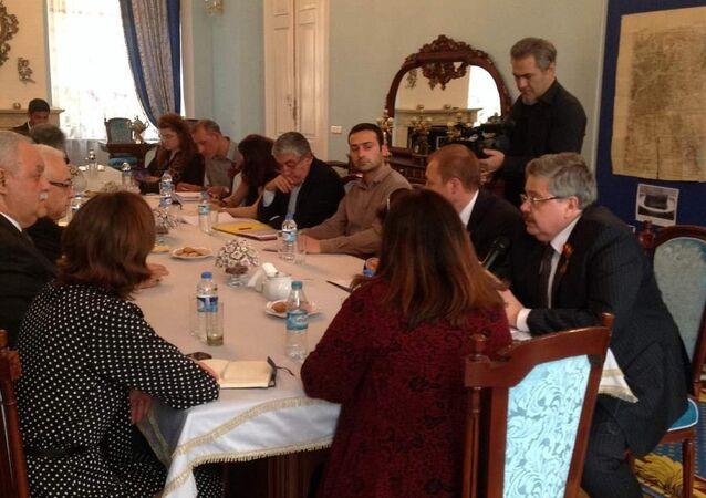 Rusya'nın İstanbul Başkonsolosu Aleksey Yerhov, 9 Mayıs Zafer Günü'nün 70. yıldönümü dolayısıyla Türk gazetecilerle bir araya geldi.