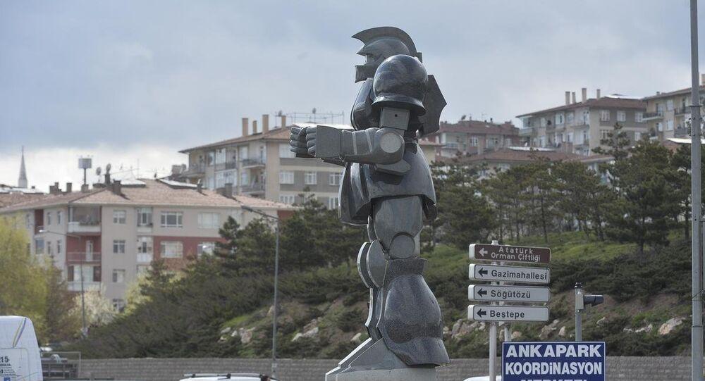 Robot heykelinin yerini dinozor heykeli