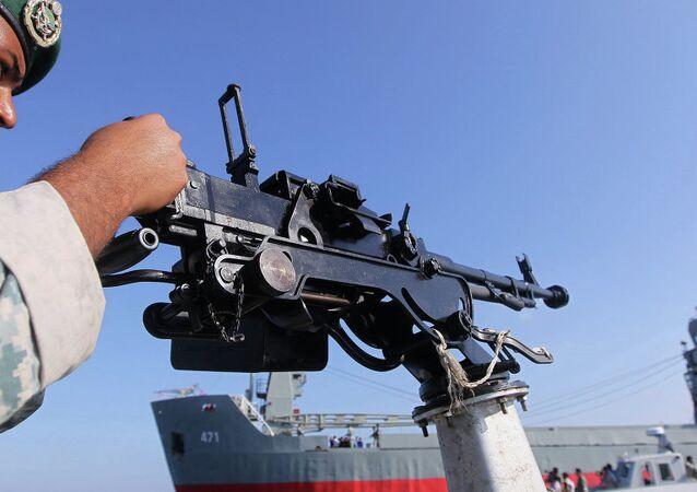 İran askeri - Hürmüz Boğazı'nda askeri tatbikat