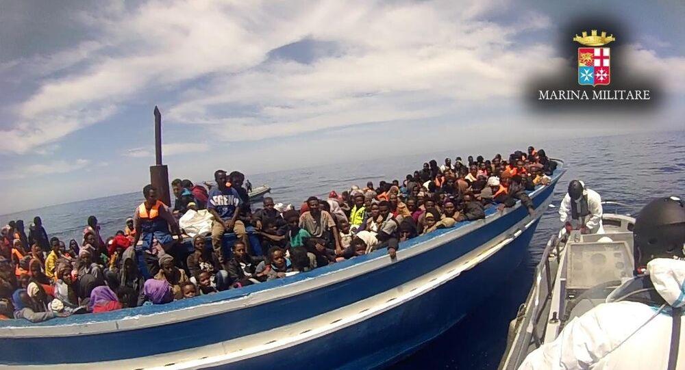 Akdeniz'de İtalya ile Libya arasında kalan bölgede İtalyan güvenlik güçleri son iki günde 6 bine yakın kaçak göçmeni kurtardı.