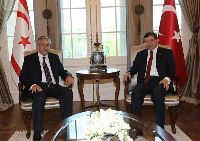 Ahmet Davutoğlu-Mustafa Akıncı
