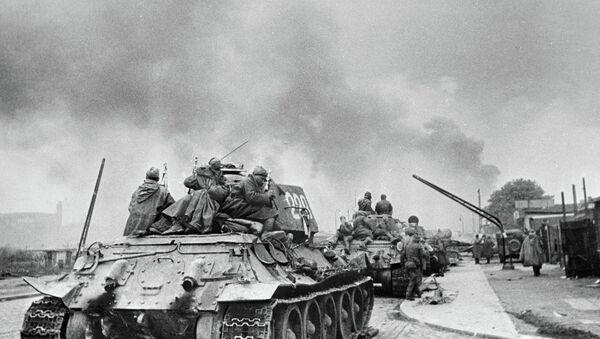 Sovyet tankları Berlin'de - Sputnik Türkiye