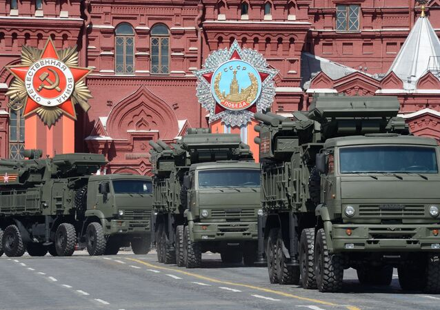 Tekerlekli kara konuşlu füze savunma sistemi Pantsir-S