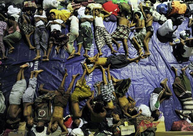 Asya'daki göçmen dramından en fazla etkilenenler Myanmar'da hiçbir vatandaşlık hakkında sahip olmayan Arakanlı Müslümanlar oldu.