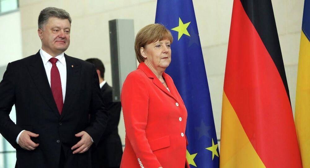 Pyotr Poroşenko-Angela Merkel