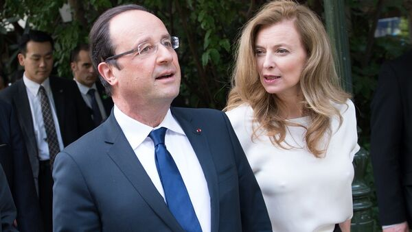 Fransa Cumhurbaşkanı François Hollande- Eski First Lady Valerie Trierweiler - Sputnik Türkiye