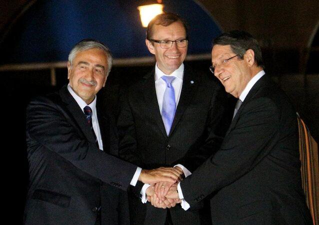 KKTC Cumhurbaşkanı Mustafa Akıncı, Rum lider Nikos Anastasiadis ve BM Genel Sekreteri'nin Kıbrıs Özel Danışmanı Espen Barth Eide