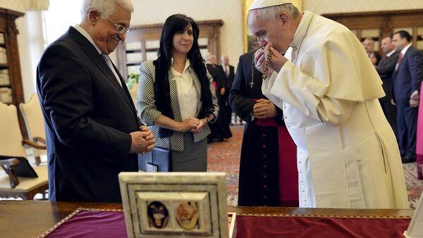 Filistin Özerk Yönetimi lideri Mahmud Abbas ve Papa Franciscus - Sputnik Türkiye