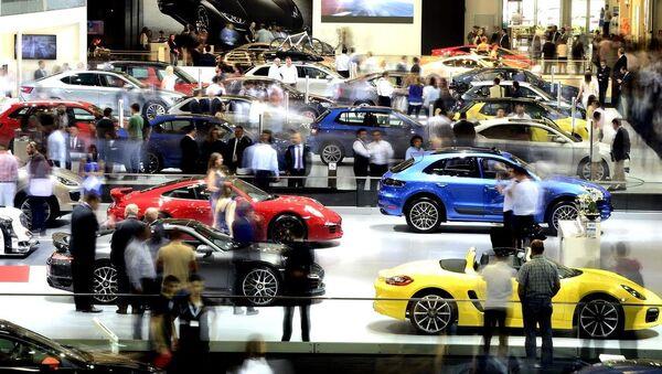 Çok sayıda markanın görücüye çıktığı Auto Show 2015, kapılarını otomobil tutkunlarına açtı. - Sputnik Türkiye