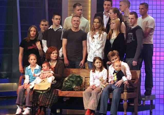 Almanya'da 13 çocuğu olan Annegret Raunigk