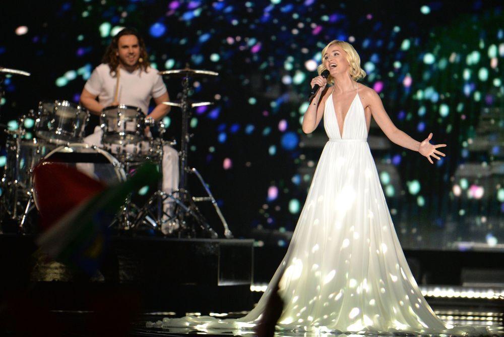 2015 Eurovision Şarkı Yarışması'nın Rus temsilcisi Polina Gagarina yarışmanın finalinde