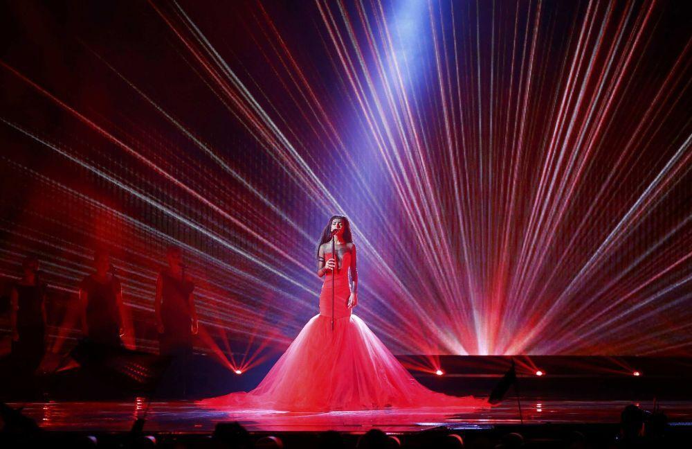 2015 Eurovision Şarkı Yarışması'nda Letonya'yı  temsil eden şarkıcı Aminata sahnede