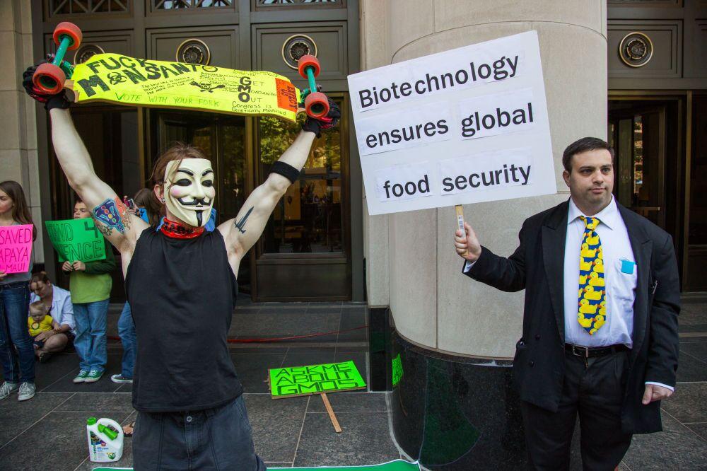 """Washington'da GDO'nun doğaya ve insan sağlığına verdiği zararlara dikkat çekmek ve yasaklanmasını sağlamak amacıyla yapılan """"Monsanto'ya Karşı Yürüyüş"""""""