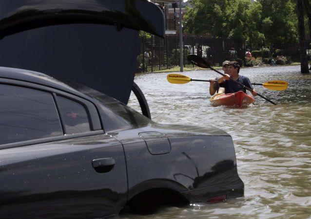 ABD'nin Teksas eyaletinde sel felaketi
